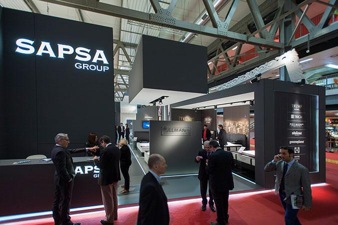 Allestimento stand Sapsa Group per il Salone del Mobile 2013